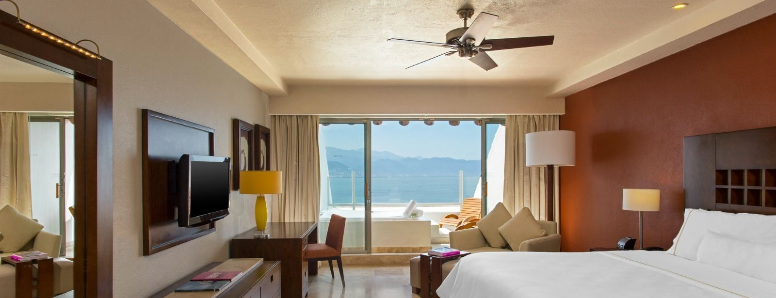 Grand Deluxe Room - The Westin Resort & Spa, Puerto Vallarta
